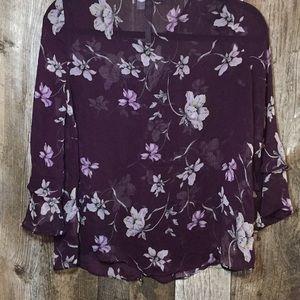 LC Lauren Conrad Tops - Beautiful Floral Top!